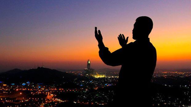 """Şeyxdən Ramazanla bağlı açıqlama: """"Bu məsələdə ancaq elmsiz adamlar irad tuta bilər"""""""