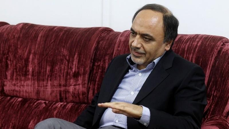 Ruhaninin siyasi məsələlər üzrə müşaviri istefa verib