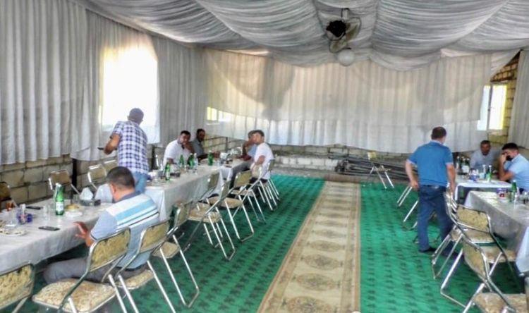Daha bir rayonda yas məclisi dayandırıldı: 8 nəfər cərimələndi - FOTO