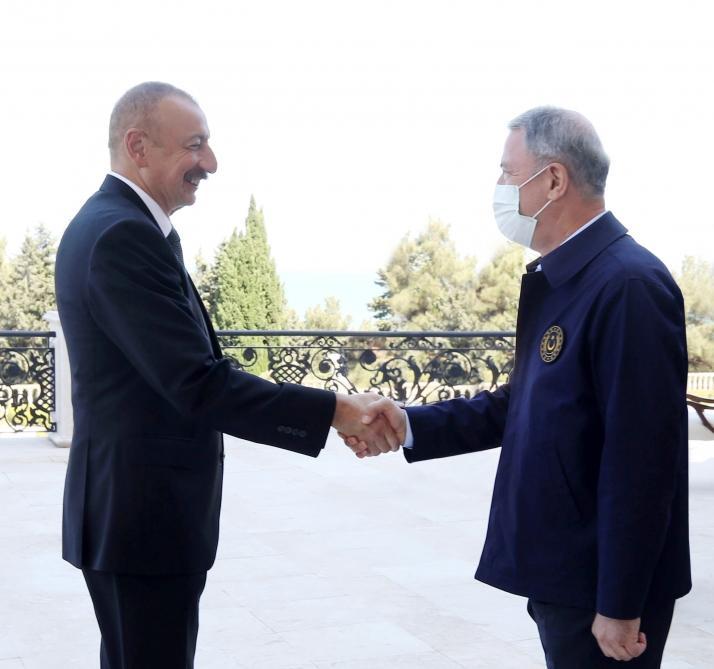 Prezident İlham Əliyev Türkiyənin Milli Müdafiə nazirini qəbul edib - FOTOLAR