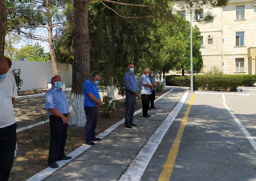 Daha bir rayonda yas mərasimi yarımçıq dayandırıldı - 6 nəfər polisə aparıldı + FOTO