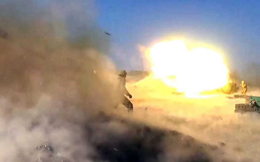 Düşmən mövqelərinə raket-artilleriya zərbələri endirilib - VİDEO