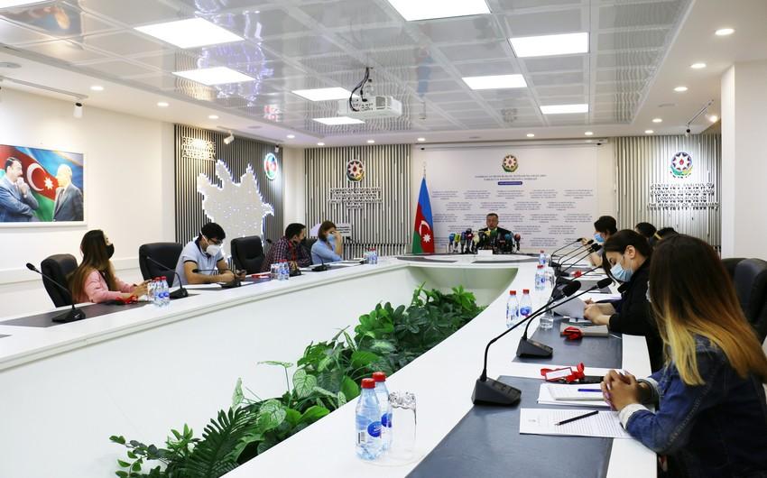 """""""Azərbaycanda devalvasiya mümkünsüzdür"""" - Vüsal Qasımlı"""