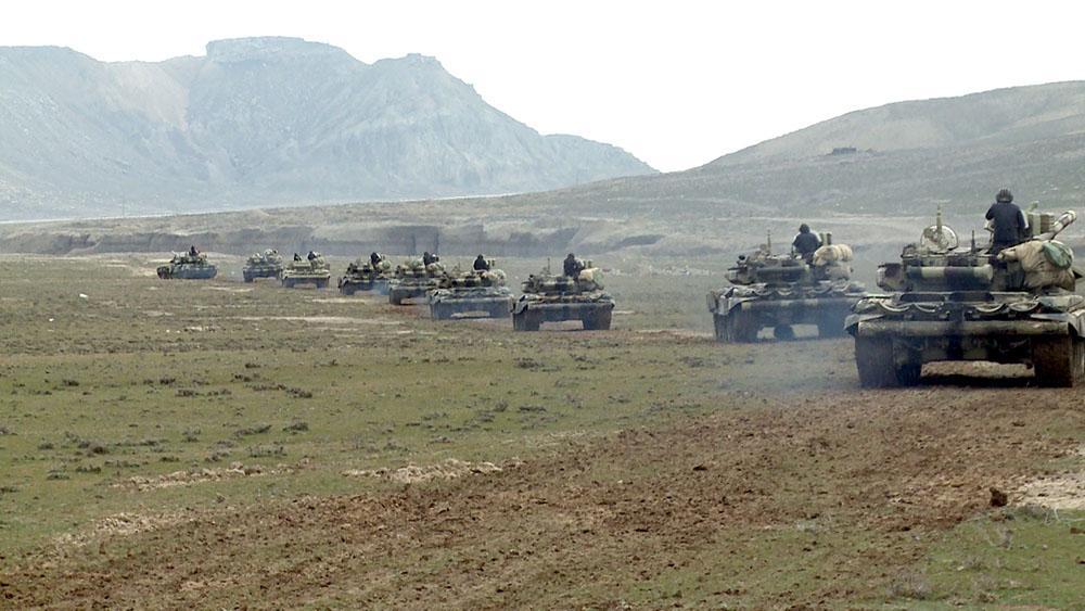 """<p><strong>15 min əsgər, 300 tank, 400 raket və artilleriya qurğusu, 50-dək hərbi aviasiya... - <span style=""""color:#ff0000"""">Azərbaycan ordusu hərəkətləndi</span></strong></p>"""