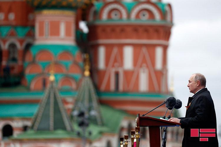 Silahlar Moskvada parada çıxardı:Putin dünyaya mesaj verdi