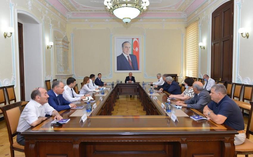 Kamran Əliyev İctimai Birliyin idarə heyətinin üzvləri ilə görüşüb