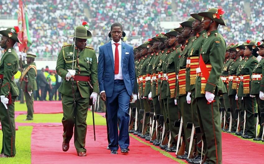 Zambiya prezidenti hərbi paradda huşunu itirib