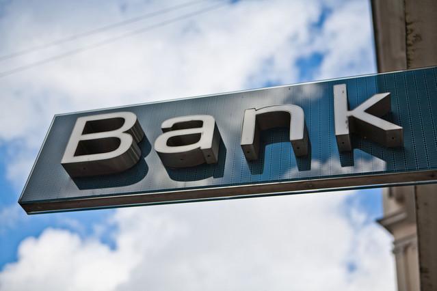 <p><strong>Banklarda dollara tələb artıb</strong></p>