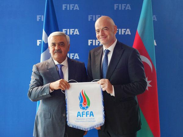 Rövnəq Abdullayev FİFA prezidenti ilə görüşdü