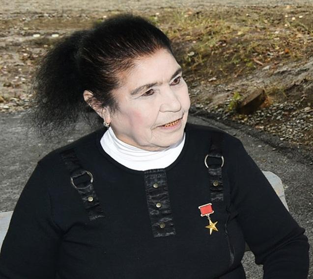 Fatma Hüseynovanın evinə yenə oğru girib - Polis onu evin zirzəmisində yaxalayıb - YENİLƏNİB